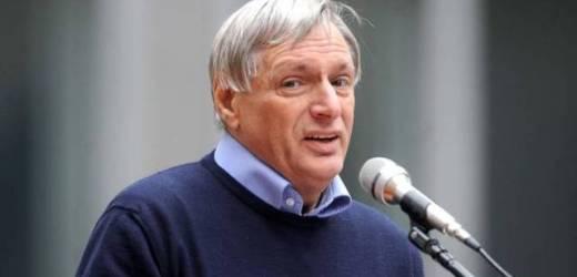 Il presidente di Libera don Luigi Ciotti nel mirino dei killer delle mafie