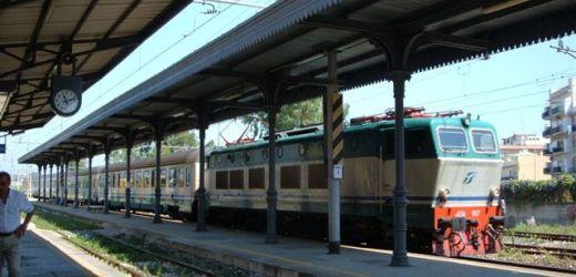 Salvo l'intercity Roma-Siracusa che Trenitalia avrebbe voluto sopprimere. L'annuncio dato dall'on Pippo Zappulla