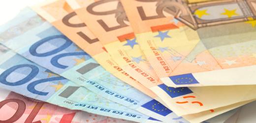 Denunciato truffatore, in cambio di 900 euro avrebbe garantito a coppia di anziani un prestito di 500 mila euro