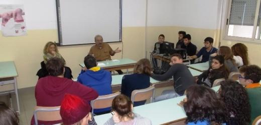 """Il """"racconto"""" al centro dell'incontro stamane del vignettista satirico Vauro con gli studenti del Liceo di Canicattini Bagni"""