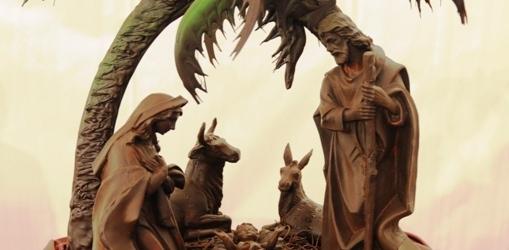 Un presepe in cioccolato di Modica in mostra nella cattedrale di Noto in beneficenza per la diocesi di Butembo – Beni