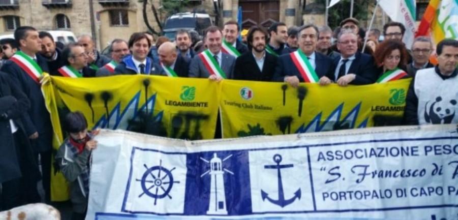 la manifestazione di oggi a Palermo contro le trivellazioni