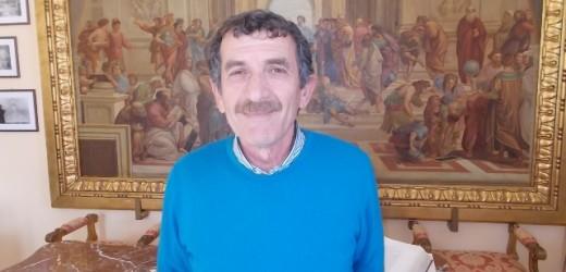 Si è dimesso dal Consiglio comunale di Canicattini il vice sindaco Pietro Savarino, al suo posto venerdì Santo Bombaci