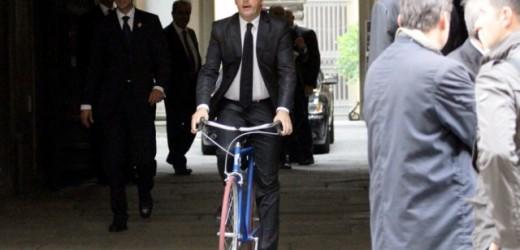 Matteo Renzi, un uomo solo al comando alle prese con la Cima Coppi