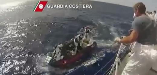 Nuova tragedia nel Canale di Sicilia, almeno 700 i morti tra i migranti di un peschereccio capovoltosi a 60 miglia dalla Libia