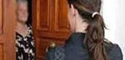 Arrestata una donna, si sarebbe finta medico dell'Inps per entrare in casa di un'anziana e derubarla di 13 mila euro