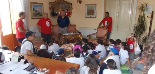 I ragazzi dell'ACR della Cattedrale di Siracusa stamane in visita al sindaco di Canicattini Bagni e alla Biblioteca comunale
