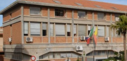 Quattro rinvii a giudizio per sette degli impiegati del Comune di Pachino accusati di assenteismo e truffa