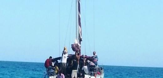 Arrivano in barca a vela e sbarcano in 74 sulle spiagge di Avola. Nuovo arrivo di migranti nel siracusano