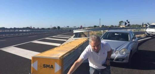Svincolo Maremonti, Vinciullo si presenta stamane sul posto e aiuta ad aprire l'arteria di collegamento con la zona montana