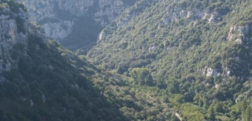 Alla scoperta della Valle dell'Anapo tra necropoli rupestri e oratori bizantini, domenica con la Legambiente e la Co.Mo.Do.