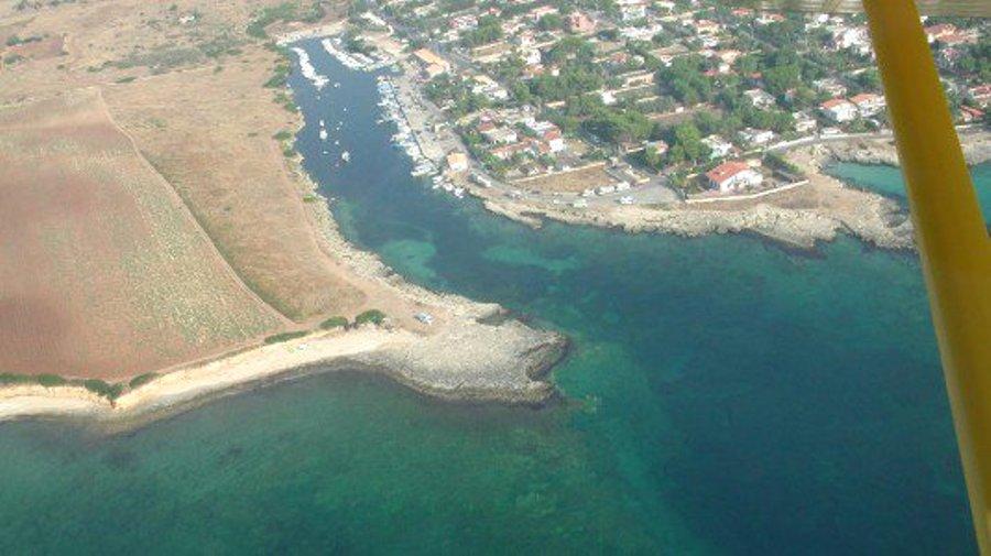 Una panoramica di punta Ognina, sulla sinistra l'area interessata dal resort