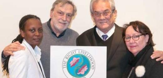 Il discorso di Gino Strada alla cerimonia dei Nobel alternativi sull'abolizione della guerra, unica speranza per l'umanità