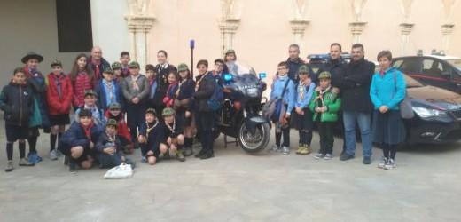 """""""Sentinelle della legalità"""", i piccolo scout del """"Branco Siracusa 7"""" in visita ai Carabinieri di Ortigia"""
