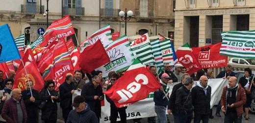 In 2 mila manifestano a Siracusa con il sindacato per chiedere la modifica della legge Fornero sulle pensioni