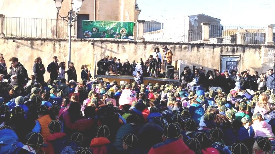 """Un momento della """"Festa di Primavera"""" degli piccoli scout a Ferla"""