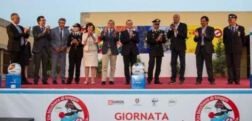 """Consegnati ieri sera i premi del concorso """"Un casco vale una Vita"""" promosso dal Comando Carabinieri di Siracusa"""