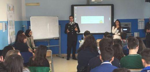 """I Carabinieri di Augusta incontrano gli studenti per parlare di """"stalking"""" e di bullismo"""