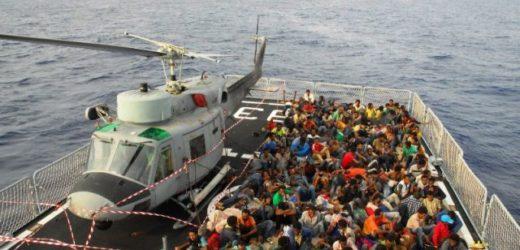 Sbarcati questo pomeriggio del porto di Augusta 729 migranti da nave Aviere soccorsi nel Canale di Sicilia