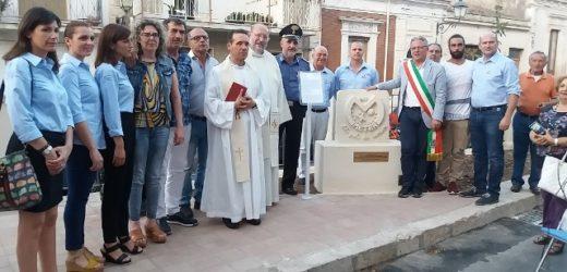 Canicattini, inaugurata ieri la scultura donata da Meter per ricordare la tutela dei bambini e le vittime di violenza
