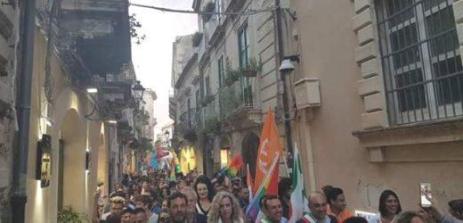 Successo e partecipazione al Siracusa Pride 2016, presente la senatrice Monica Cirinnà  e i sindaci Garozzo e Scalorino