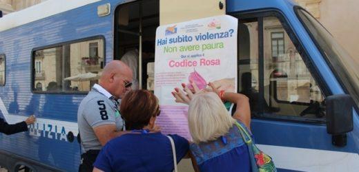 """""""Questo non è amore"""", il camper della Polizia contro la violenza di genere sarà sabato a Marina di Priolo"""