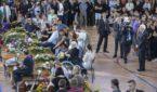 Il presidente Sergio Mattarella rende omaggio alle vittime  nella palestra di Monticelli ad Ascoli