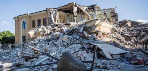 Oggi ancora lutto nazionale, nel pomeriggio ad Amatrice i funerali delle vittime del terremoto, presente Mattarella