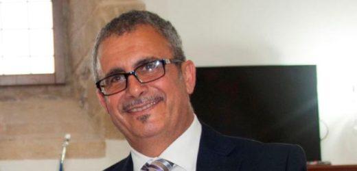 """Seconda """"intimidazione"""" al sindaco di Francofonte a distanza di sette mesi, liquido corrosivo sulla sua auto in pieno giorno"""