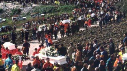 I funerali dei bambini morti nella loro scuola