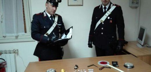 Arrestato dai Carabinieri di Belvedere e rimesso in libertà presunto pusher 18enne trovato con 9 dosi di hashish