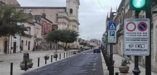 Canicattini, niente più barriere ma videosorveglianza e tre semafori per l'accesso nell'area pedonale del centro storico