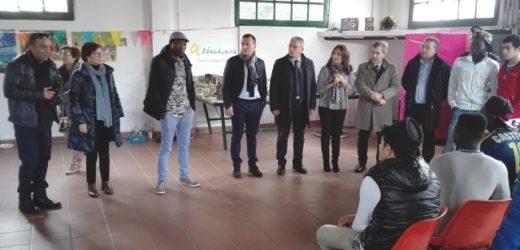 """Visita natalizia del prefetto Gradone al centro per migranti """"Capocorso"""" di Siracusa: """"Stiamo facendo buona accoglienza"""""""