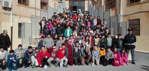 """Cultura della legalità e del rispetto, il dirigente del Commissariato di Noto incontra gli studenti del """"F. Maiore"""""""