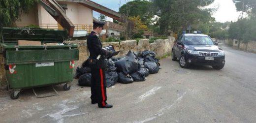 Controlli dei Carabinieri nella zona balneare di Siracusa per l'abbandono di rifiuti, molte le segnalazioni dei cittadini