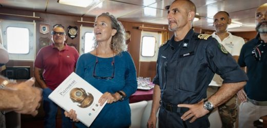 I palombari della Marina Militare in immersione con Patrizia Maiorca nelle acque di Capo Passero ricordando Enzo