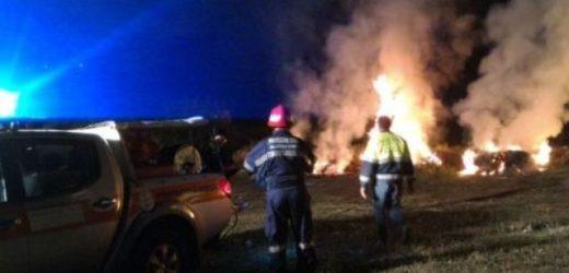 Notte di fuoco nelle campagne attorno Canicattini, impegnativi interventi dei Vigili del Fuoco e del Gruppo di Protezione Civile