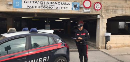 Siracusa, aggressione verbale di alcuni giovani nei confronti di un senzatetto al parcheggio Talete, intervengono i Carabinieri