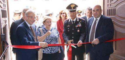 Presentata ed inaugurata stamane a Siracusa la mostra d'arte organizzata dai Carabinieri sulla violenza alle donne